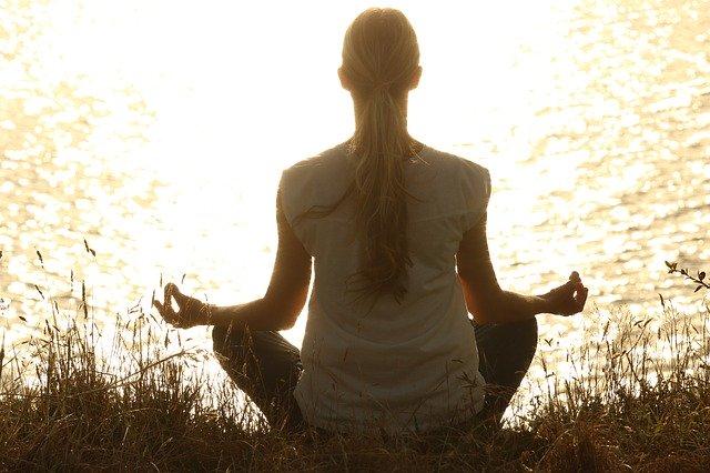 Beneficios de la meditación bajo los efectos del cannabis post thumbnail